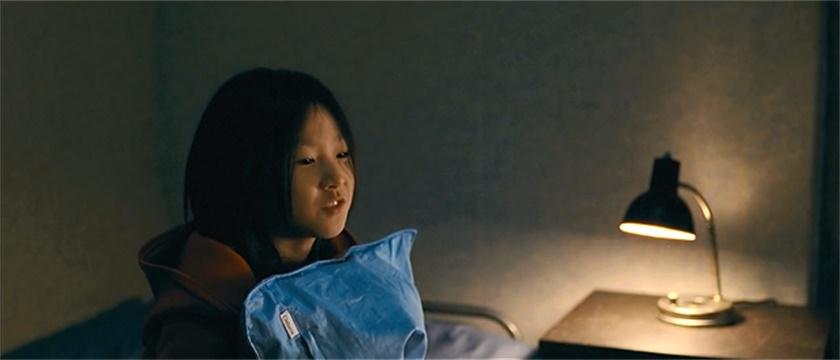 #经典看电影#母亲和继父闹翻,小萝莉无家可归,隔壁大叔好心收留!