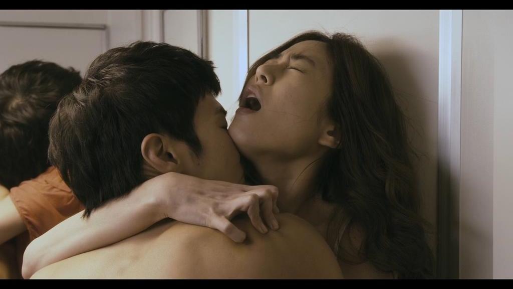 #电影片段#揭露韩国豪门的混乱生活,男秘书周旋于主人家的母女之间