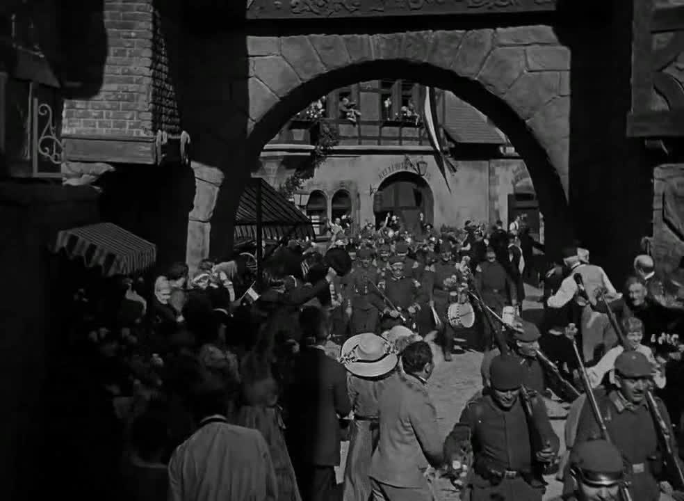 #经典看电影#这样的演说真是绝了,难怪德国士兵进行疯狂的入侵