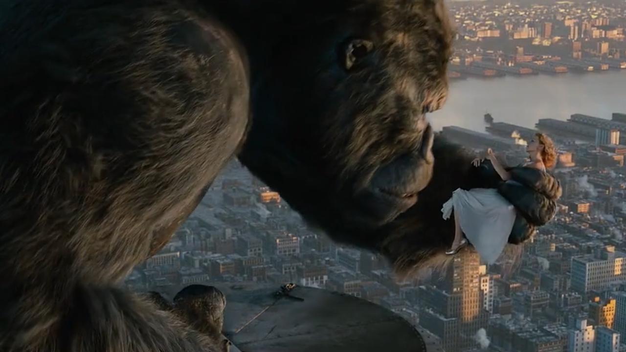 #经典看电影#十米高的大猩猩,闯入市中心,四处撒野!