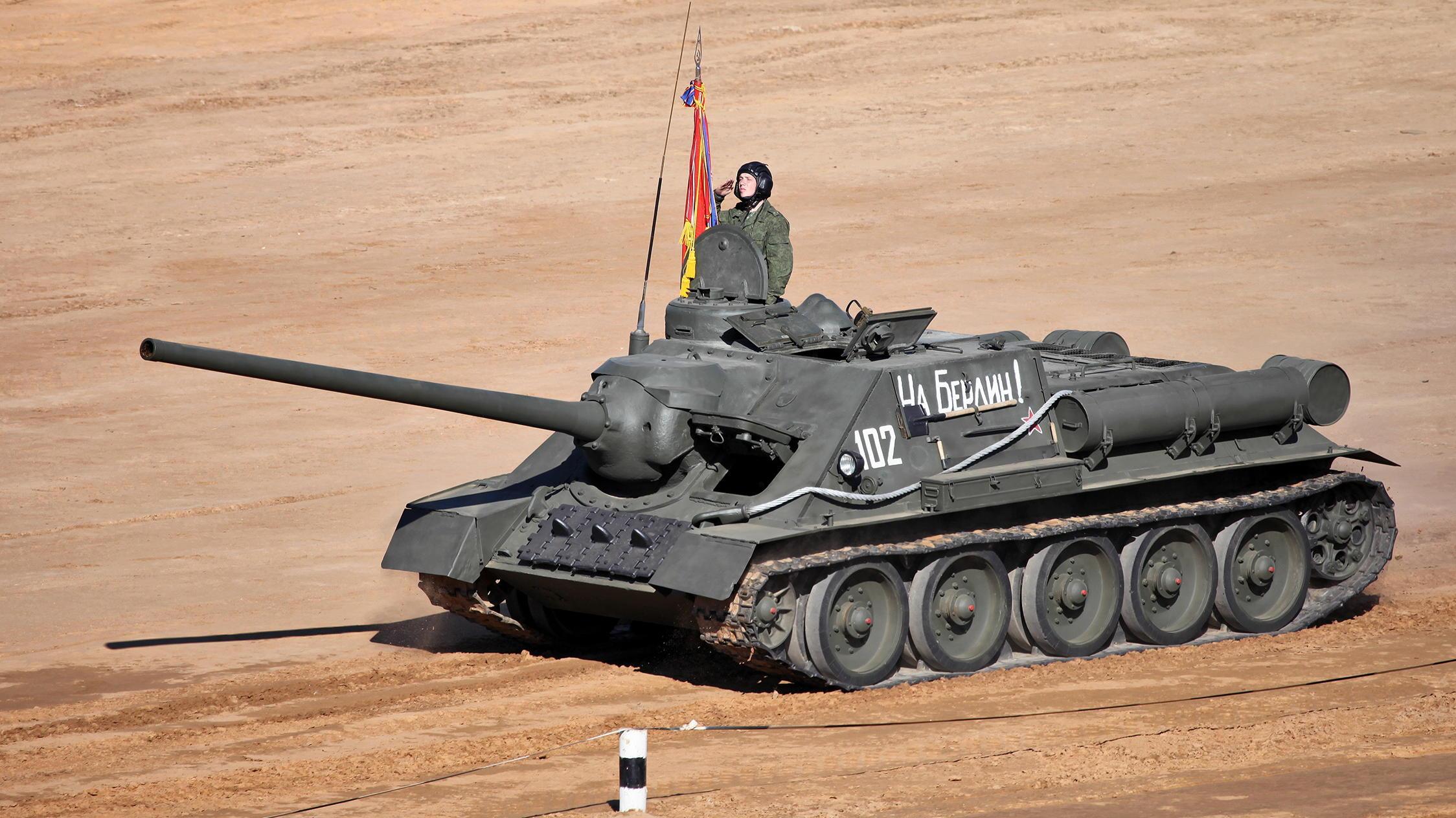 二战苏联的钢铁怪兽,能在2000米击穿虎式坦克,外号坦克杀手