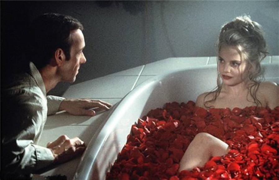#电影最前线#未成年少女和中年大叔的不伦之恋!限制16岁以下观看!