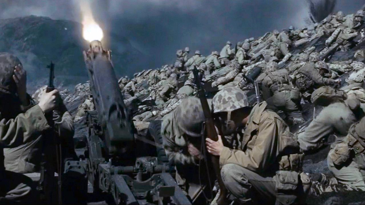 #经典看电影#太平洋战场最残酷登陆战,成群士兵拥挤海滩,被日军炮火无情肆虐