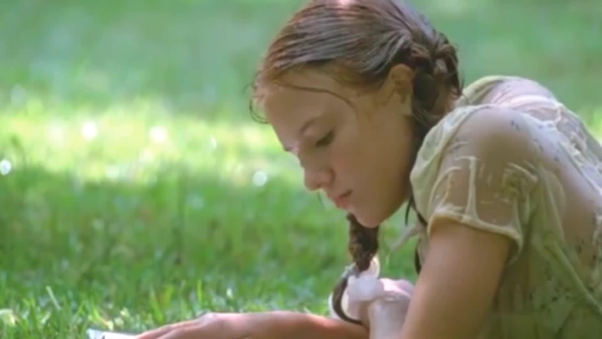 14岁少女和大叔唯美老少恋,洛丽塔身躯迷人,
