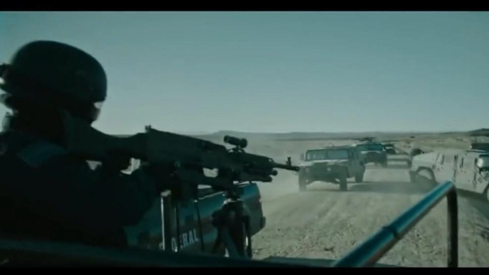 遭突袭,机枪竟打不穿重装悍马的防弹玻璃,车上人员从容下车反击