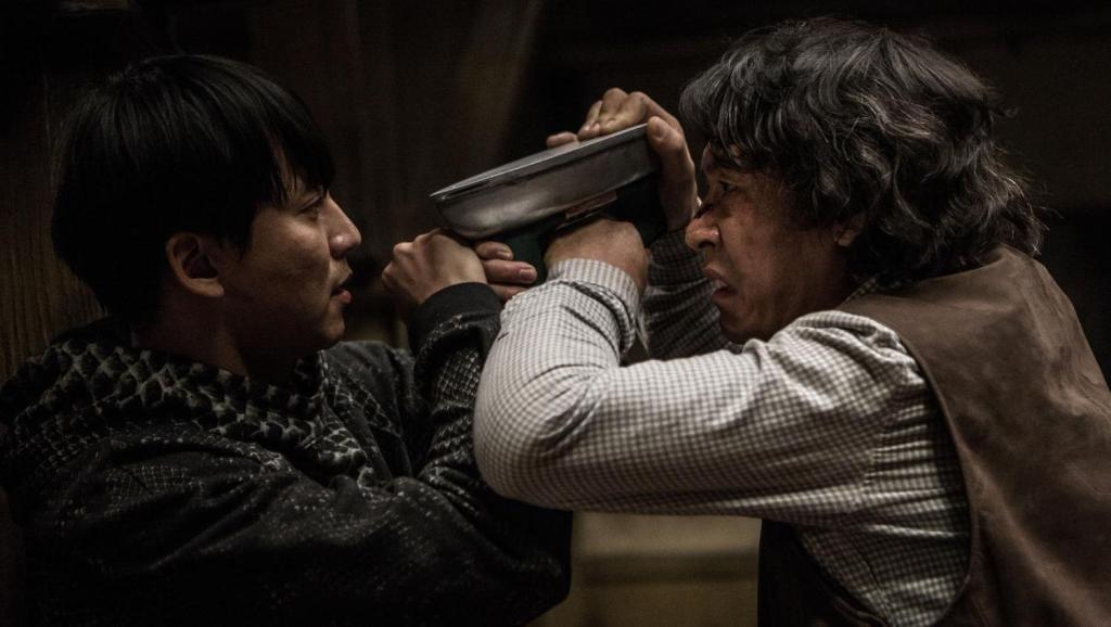 #电影最前线#几分钟看完悬疑惊悚片《杀人者的记忆法》到底谁是真正的凶手?