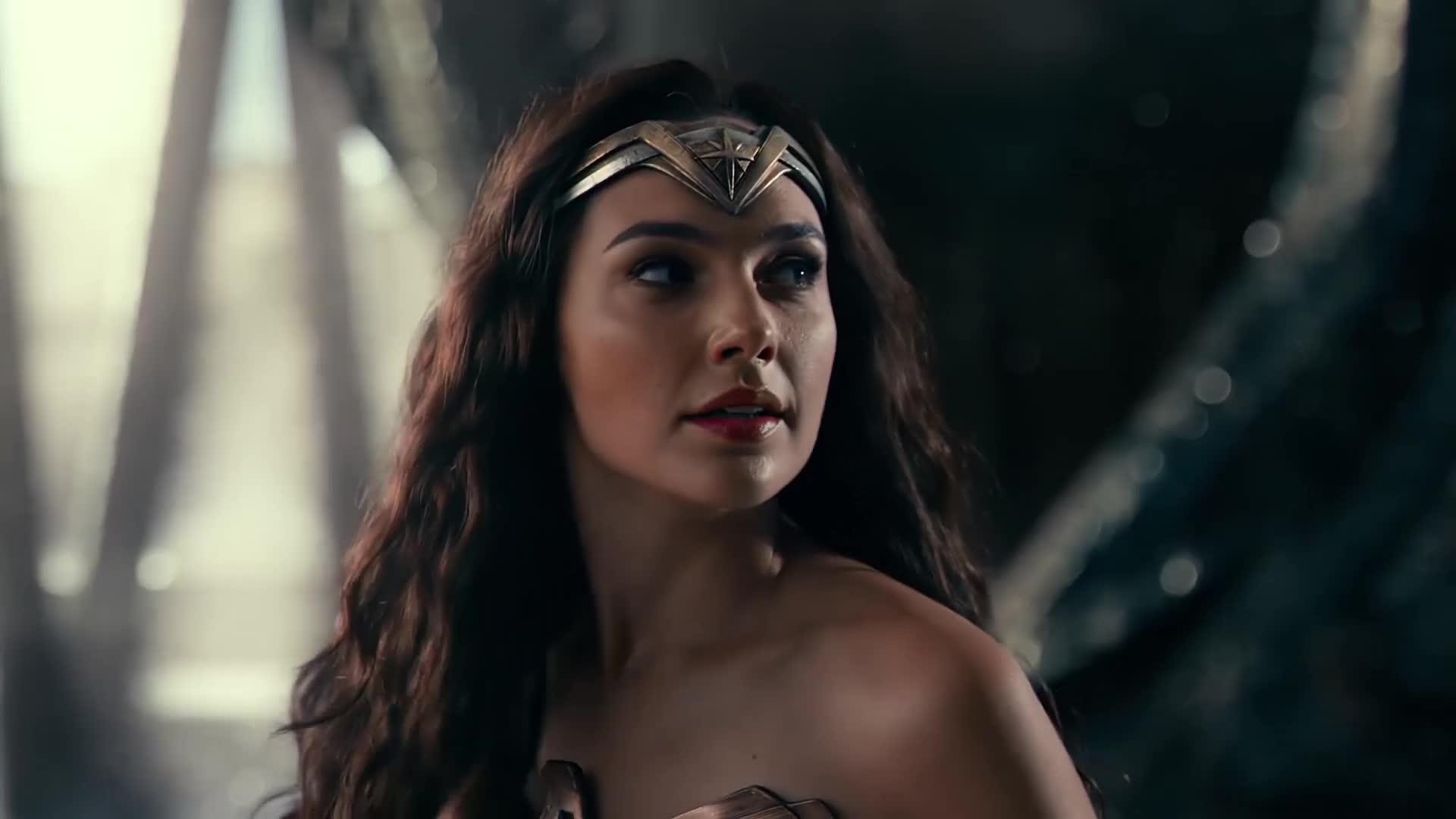#电影迷的修养#正义联盟:神奇女侠不敌荒野狼,超人立马出现