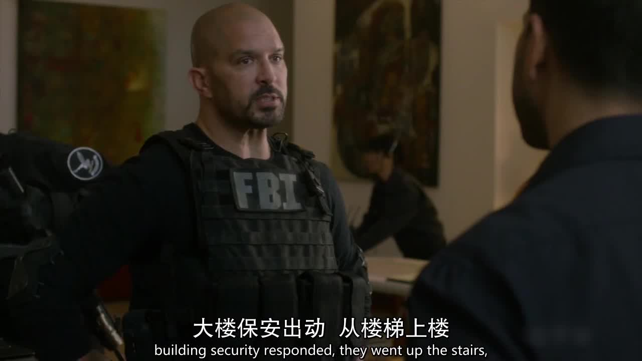 劫匪在楼层装上炸弹,原来是想杀死在场的所有人!