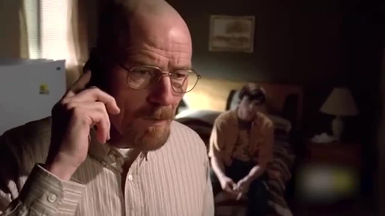 沃尔特给妻子打电话要把儿子送回去,沃尔特开导儿子不要怪母亲