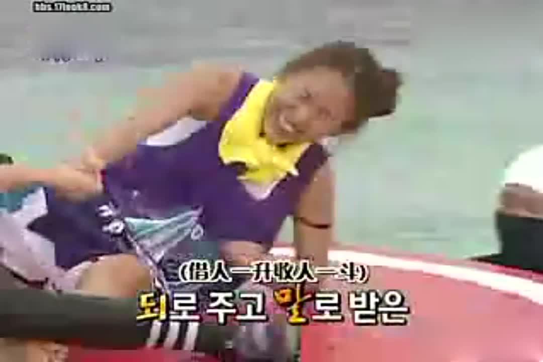 李孝利和刘在石摔跤,真是太搞笑了?