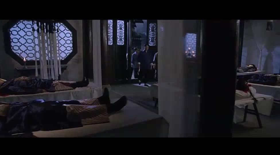 雷电交加的夜晚,停尸房的尸体居然都动了