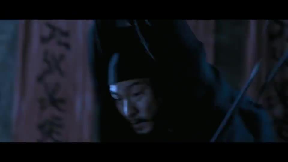 #经典看电影#刘德华坠下高空,可他离地最后一步翻个跟头,立马缓解了地心引力