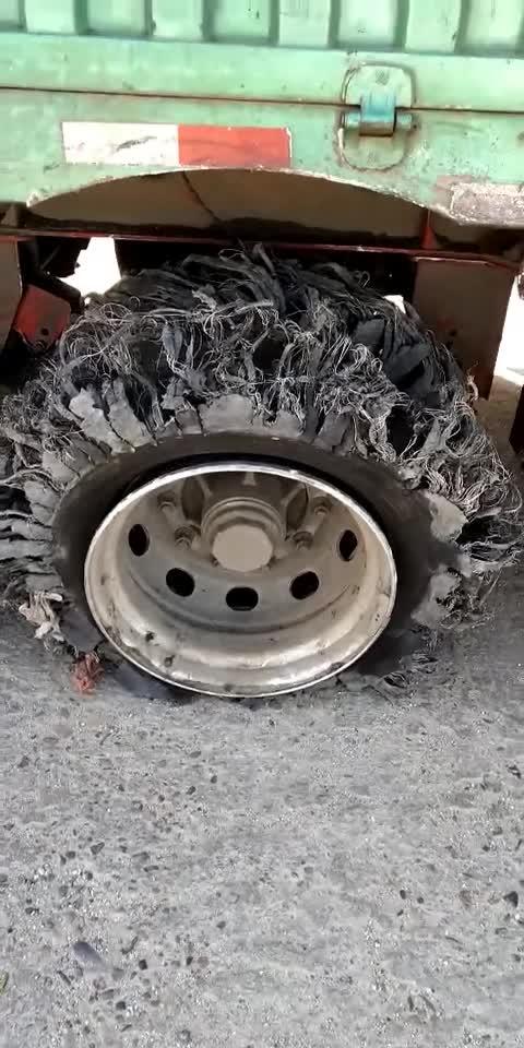 #轮胎哥#轮胎哥,我就想知道,你到底经历了什么!