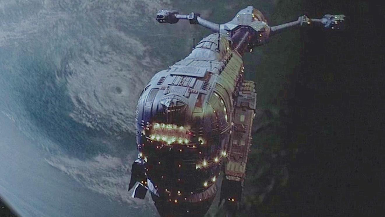 #经典看电影#飞船意外冲出了宇宙,被外太空生物寄生,回来时还拥有了生命!