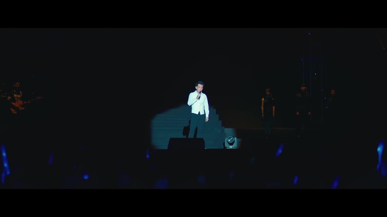 男生举办演唱会,坦露实情,真唱表白简直帅爆了