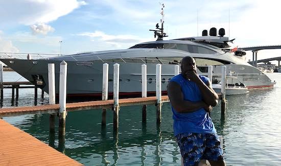 参观奥尼尔位于佛罗里达温德米尔的湖畔别墅市值2800万美元