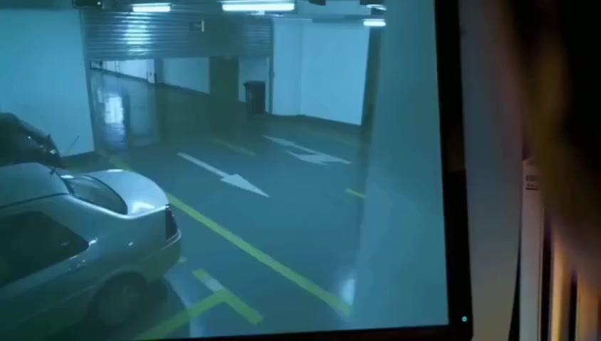 在保安室的监控里真是什么刺激场面都可以看到