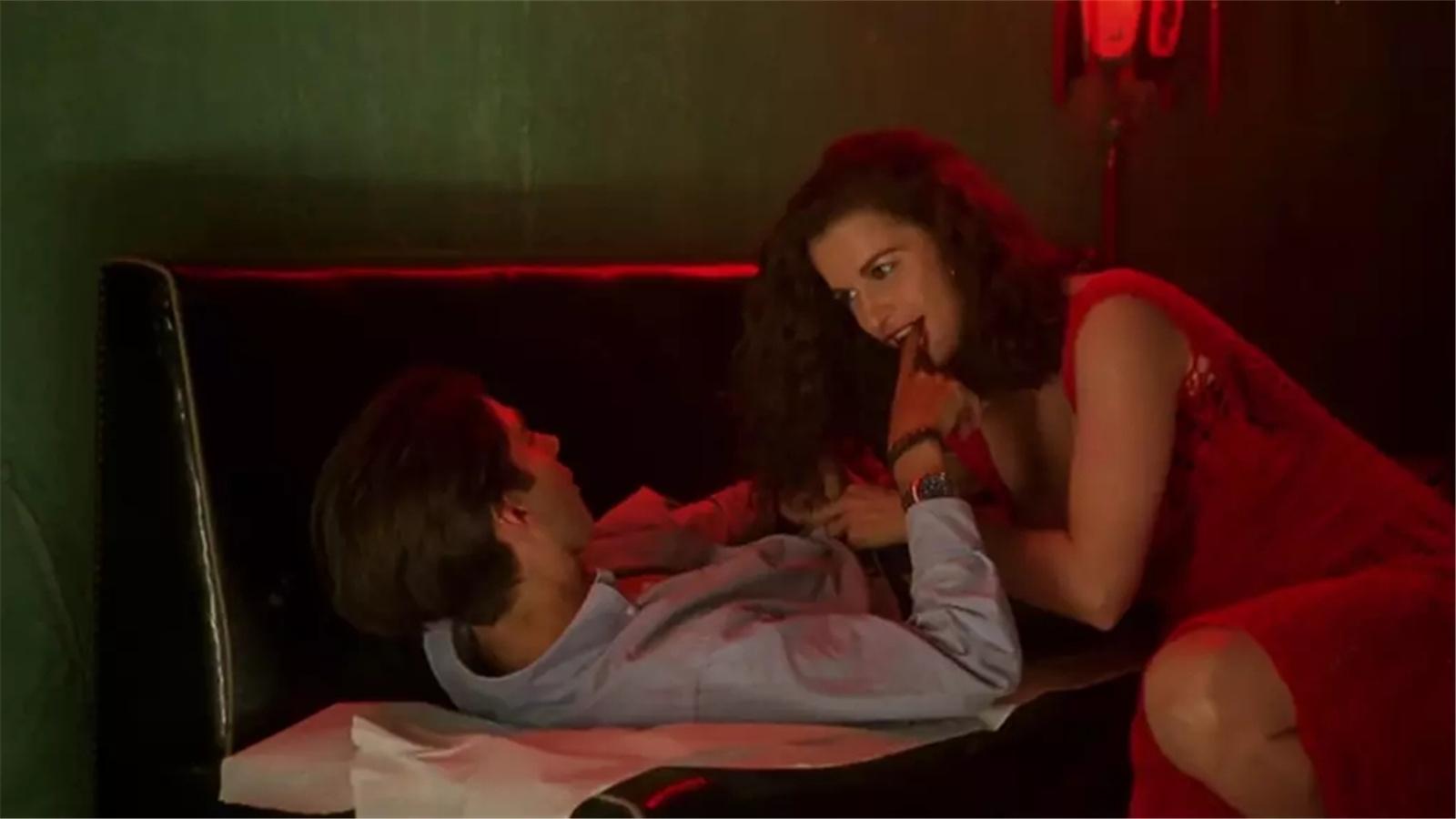 #经典看电影#一部颠覆你三观的爱情片,一家人共夫共妻,关系复杂到瞠目结舌