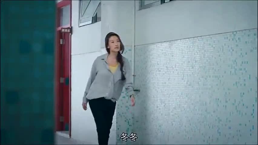 女老师跟着学生到厕所,结果看到了这种场景,腿都吓软了!