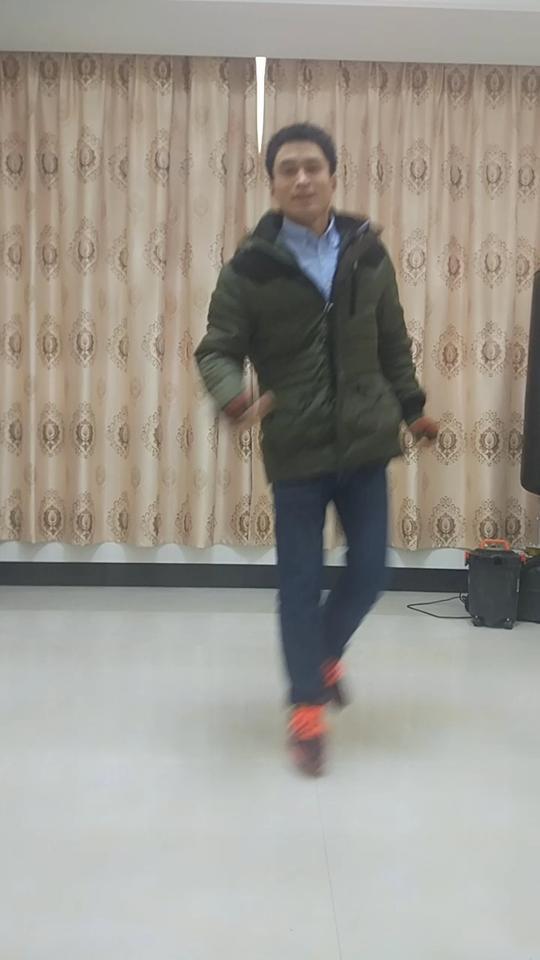 #有料最强舞王#曳步舞奔跑连接斜蹬花式!