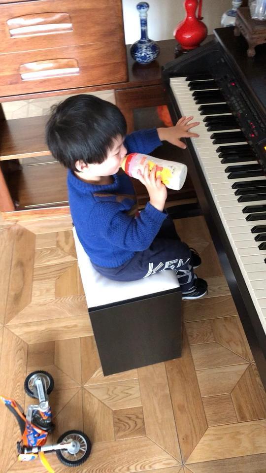 小小钢琴手