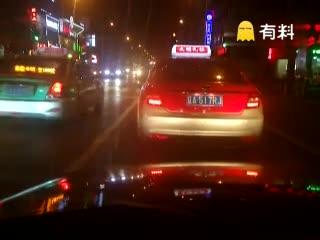 黑车私安顶灯计价器非法运营沈阳市没人管#传播正能量#