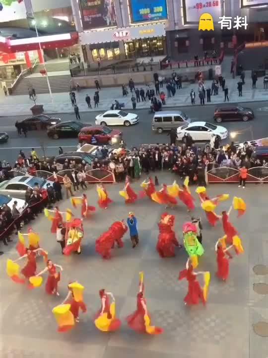#这个视频666#沈阳中街刘老根大舞台外场全面升级了,为您献上一台精彩的文化大
