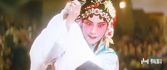 #电影片段#上海流氓大亨黄金荣戏院掌搧督军之子卢小嘉被报复~