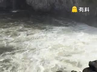 #壮观境泊瀑布!#
