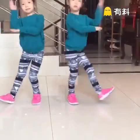 双胞胎舞蹈