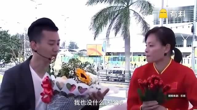 """七夕虐狗!""""五金王""""吴敏霞和男友合体甜蜜秀恩爱"""
