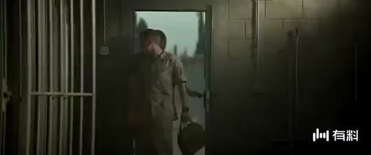 【战犬瑞克斯】利维帮雷克斯包扎 取得信任获战友谅解
