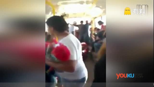 阿根廷公交车上运棺材 家属举动吓疯车上乘客