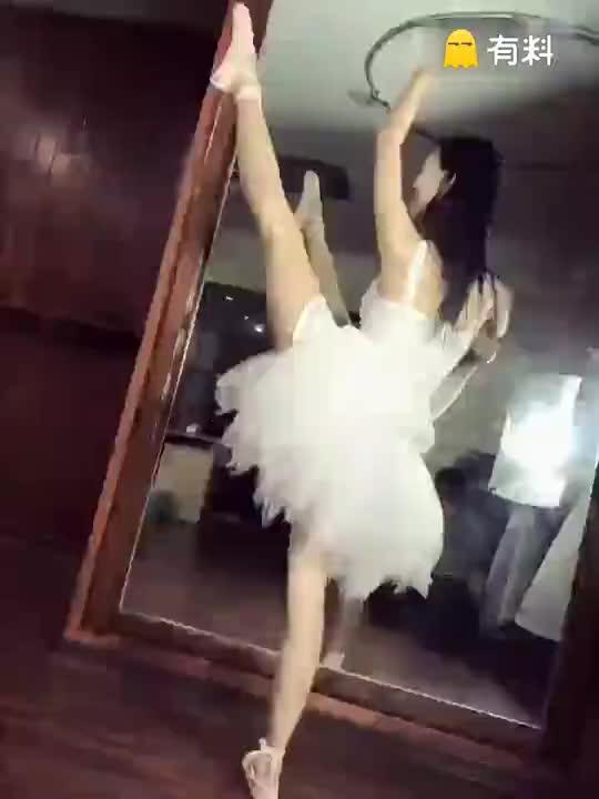 #免费激情电影打开微信,搜公众号 youcai114关注后更精彩 (37)