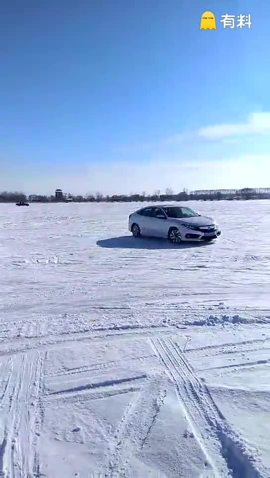 #冰湖雪地尽情漂移!超爽!#