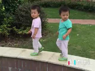 双胞胎神同步
