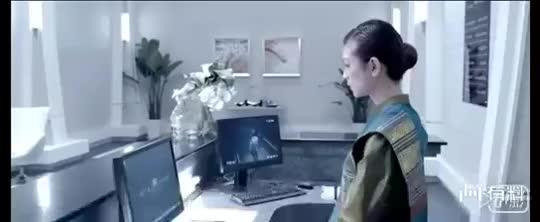 #电影最前线#吴京大破杀手飞刀绝技,帅的一塌糊涂!