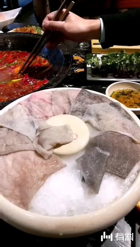 川香傲火锅开吃