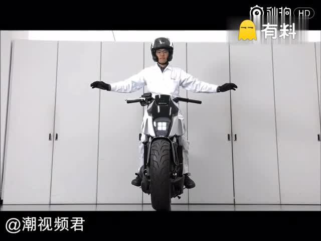 黑科技就是狂 自平衡摩托车彻底解放了双手!