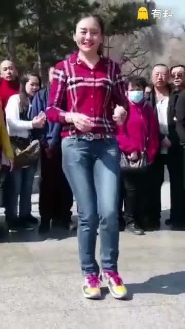 #漂亮的姑娘,优雅的舞步#
