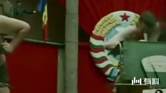 三分钟带你看完,匈牙利超高分神作《人体雕像》!