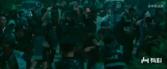#电影迷的修养#电影《误杀》最感动人心的画面!肖央不是心真诚,群众闹翻天!