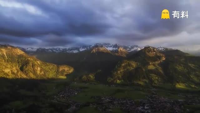 【夜空中最亮的星】德国南部轻灵唯美的景色,以独特的角度,透过镜头展现阿尔卑斯山脉与山间小镇的恬静美景,让人仿佛置身于一场清新美好的梦境之中。