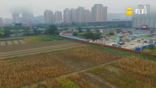"""航拍北京三环内""""最贵玉米地"""" 占据城区黄金地带150亩"""