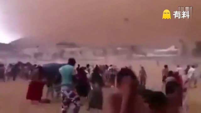 实拍摩洛哥遭遇超强沙尘暴 场面犹如世界末日