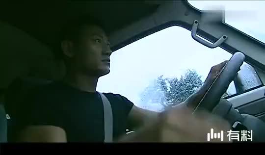 警中英雄:便衣警察追车,怎料还是跟丢了疑犯,车上只剩个司机!