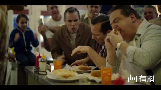 #电影迷的修养#托尼为了赢得50美元的奖励,一口气吃了26个热狗