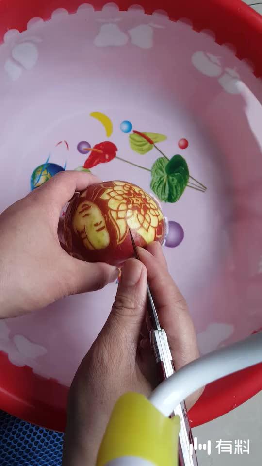 苹果雕刻~杨磊 头像 桃心