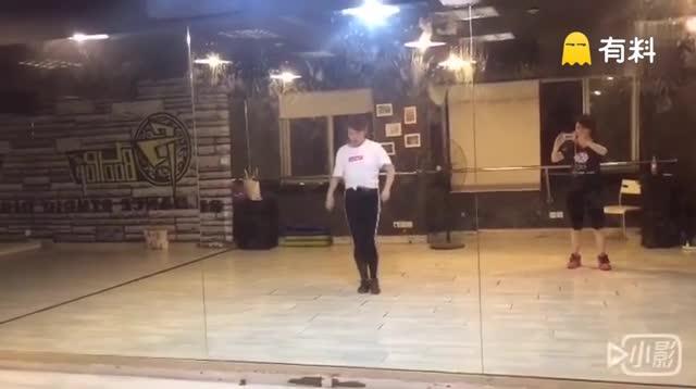 很用心跟老师学的一个舞~没想...