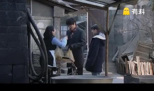 邓超帮邻家妹子相亲观察男朋友,妹子听到两个人的话很无奈!
